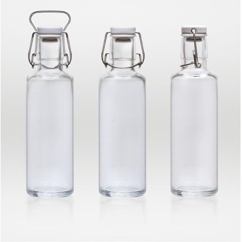Design drinkfles van glas te personaliseren