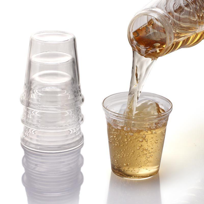 Waterkaraf met glazen