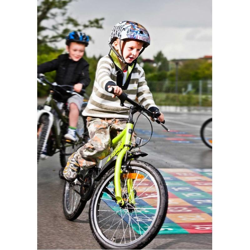 Veilige kinder fietshelm met eigen ontwerp