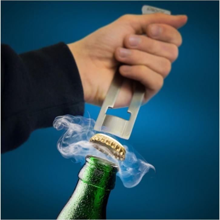 Plop een kroonkurk als een champagnekurk