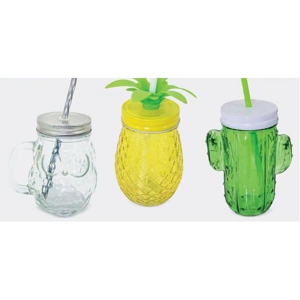 Glazen jars, uil, ananas en cactus